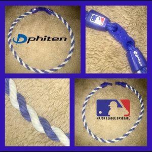Phiten MLB